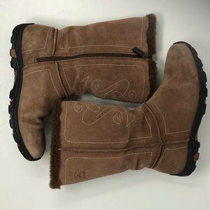 AMIK Delancy Suede Thinsulate Waterproof Boots 9